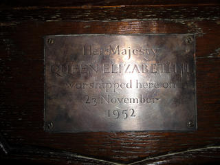 queens-seat-plaque